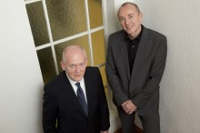 Werner Hundhausen und Kajo Döhring nach dem Gespräch für mediummagazin, das im DJV-Haus in Bonn stattfand.