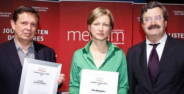 Kulturjournalisten des Jahres Frank Schirrmacher (FAZ), Silke Burmester (freie Autorin) und Laudator Nikolaus Brender (ehem. Chefredakteur des ZDF), Foto: W.Borrs