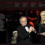 Hans Leyendecker bei seiner Bühnenansprache zur Ablehnung des Nannen-Preises (hier mit Moderatorin Judith Rackers). Foto: Screen video stern.de
