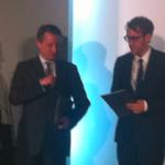 Nikolaus Blome und Paul Ronzheimer mit Roland Tichy (l.) und dem stv. Kuratoriumsvorsitzenden Stefan Quandt (r.).