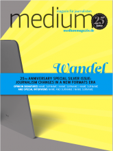 """Cover-Entwurf 3.""""Dieses Konzept zeigt die Auswirkung der neuen Kommunikationsformen auf dem Medien-Marktplatz."""""""