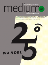 """Cover-Entwurf 5.""""Dieser Entwurf berücksichtigt, dass fast alle vorhergehenden medium magazin-Ausgaben ein Gesicht auf dem Titel hatten.Wir haben deshalb ein """"Jubiläumsgesicht"""" entworfen unter Verwendung der Jubiläums-Zahl."""