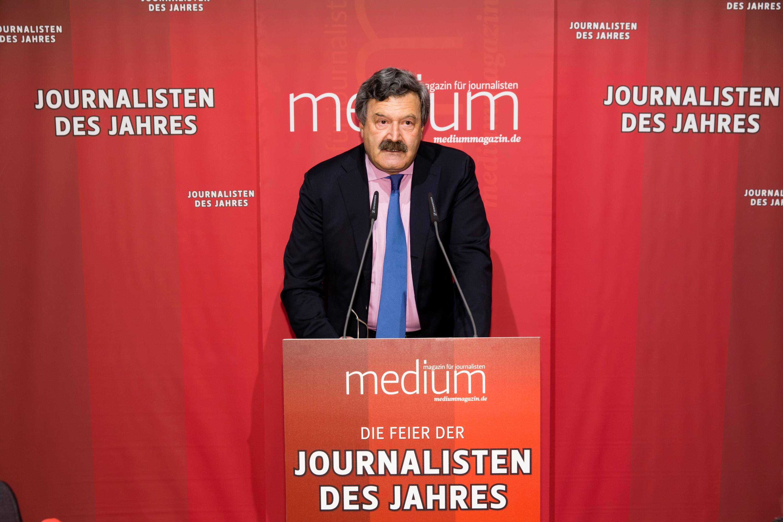 """DEU, Berlin, 23.02.2015, medium magazin, Feier und Preisverleihung an die """"Journalisten des Jahres 2014"""", Cafe im Zeughaus im Deutschen Historischen Museum, N. Brender (Laudator)[ (c) Wolfgang Borrs, Wiener Str. 11, D-10999 B e r l i n, Mobile +49.171.5332491, www.borrs.de, mail@borrs.de; ]"""