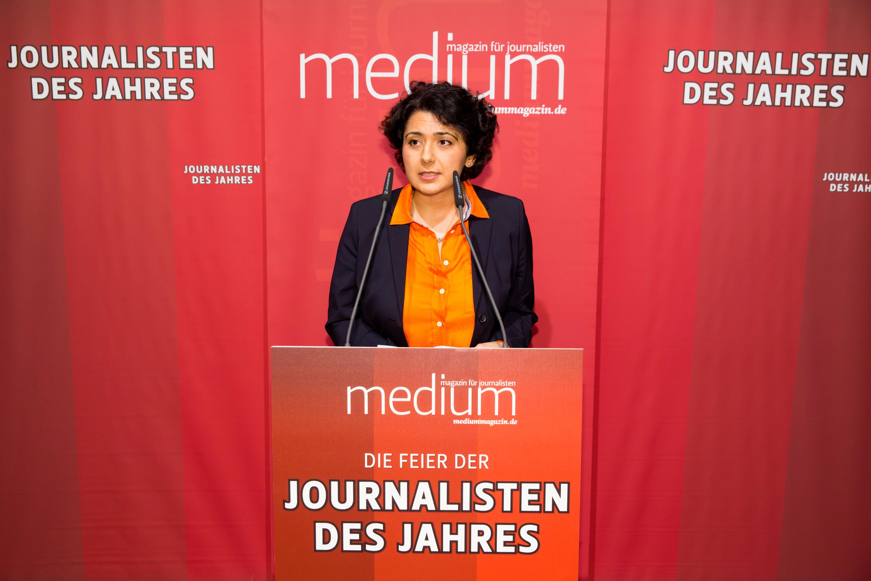 """DEU, Berlin, 23.02.2015, medium magazin, Feier und Preisverleihung an die """"Journalisten des Jahres 2014"""", Cafe im Zeughaus im Deutschen Historischen Museum, Golineh Atai (Journalistin des Jahres), [ (c) Wolfgang Borrs, Wiener Str. 11, D-10999 B e r l i n, Mobile +49.171.5332491, www.borrs.de, mail@borrs.de; ]"""